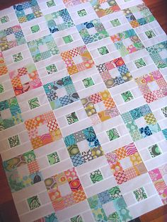 What a fun take on a traditional 9 patch. Lots of great 9 patch ideas on this site. Red Pepper Quilts: Nine-Patch Quilt Top Charm Pack Quilt Patterns, Charm Pack Quilts, Scrap Quilt Patterns, Charm Quilt, Quilting Ideas, Modern Quilting, Cute Quilts, Scrappy Quilts, Easy Quilts