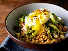 """<span class=""""entry-title-primary"""">The 500 Calorie Meal Plan</span> <span class=""""entry-subtitle"""">Quinoa Bowl with Poached Eggs and Veggies</span>"""