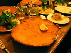 All kinds of Schnitzel, how to prepare the meat, properly bread, and how to prepare the number of sauce options.