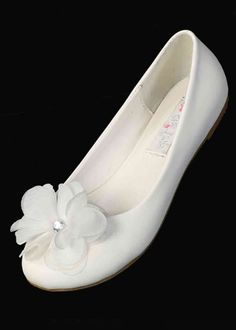 shoes for the little chickies! they come in ivory, too! Ballet Style Shoes with Flower & Rhinestone