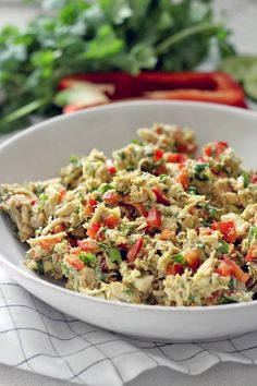 It's like guacamole meets chicken salad, and it's MUY delicioso! Avocado is used instead of mayo for a healthy, gluten free, dairy free, and paleo meal. Make it in bulk for lunch all week!