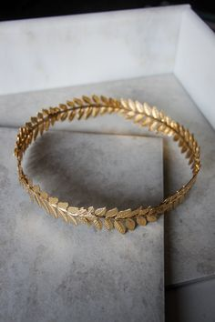 Astonishing Goddess Headpiece in Gold