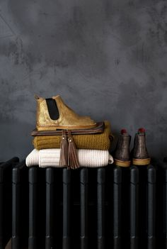 Gorgeous shoe styling | dark | moody