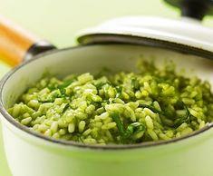 Medvehagymás rizottó - gréta konyhája My Recipes, Favorite Recipes, Vegetarian Recipes, Healthy Recipes, Wild Garlic, Tasty, Yummy Food, Gnocchi, Food And Drink