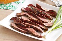 A beef flank steak is a long, thin, boneless cut of meat that needs to be tenderized before cooking. Our soy marinade ensures that this grilled steak is tender, juicy and full of flavour. Good Steak Recipes, Flank Steak Recipes, Barbecue Recipes, Pork Recipes, Cooking Recipes, Beef Flank Steak, Marinated Flank Steak, Roast Beef Dishes