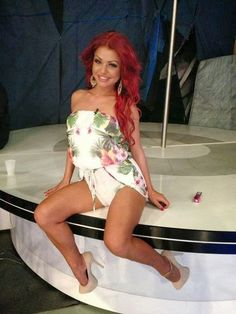 Ana Mocanu a fost implicata intr-un accident de masina! Red Hair, Black Hair, Barbie, Lady, Album, Beautiful, Women, Red Hair Weave, Hair Black Hair
