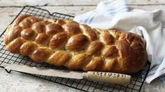 Eight-strand plaited loaf paul hollywood braided bread on PBS Great British Bake Off – Great British Bake Off, Plaited Bread Recipe, Braided Bread, Bread Plait, Braided Buns, Messy Buns, British Baking Show Recipes, British Bake Off Recipes, Scottish Recipes