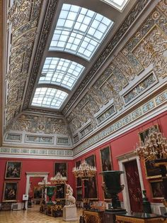 Inside The Hermitage Museum, St Petersburg Russia: A Photo Tour Winter Palace St Petersburg, St Petersburg Russia, Baroque Architecture, Beautiful Architecture, Creepy Old Houses, Kremlin Palace, Peterhof Palace, Somewhere In Time, Hermitage Museum