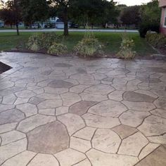 Photos: Stamp of Approval - Stamped Concrete Designs stamped concrete patio Concrete Patios, Poured Concrete Patio, Brick Patios, Stone Patios, Stain Concrete, Concrete Wall, Stamped Concrete Designs, Concrete Patio Designs, Beton Design