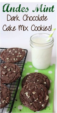Andes Mint Dark Chocolate Cake Mix - Ok but not amazing. Very flat cookies. Also, only need VERY small dough balls because the cookies spread and get huge Cake Mix Cookie Recipes, Yummy Cookies, Dessert Recipes, Cookie Mixes, Top Recipes, Cookie Swap, Mint Dark Chocolate, Chocolate Chips, Andes Mint Cookies