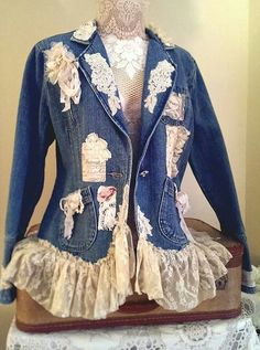 Denim jacket art to wear magnolia lace and pearl vintage look Lace Jeans, Denim And Lace, Estilo Jeans, Denim Ideas, Denim Crafts, Lace Jacket, Altering Clothes, Recycled Denim, Clothing Hacks