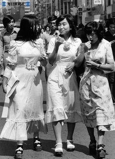 写真特集:真知子巻き、アイビー、hanako族… 懐かしいのはどれ?(2009年11月掲載) - 毎日新聞