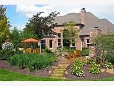 Backyard Retreat - Home and Garden Design Ideas