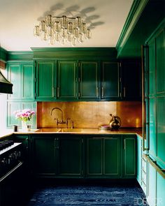 Gorgeous. I can't commit to color like this in a kitchen but I can in a bathroom....