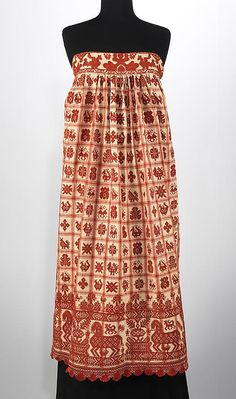 Russian apron, Brooklyn Museum Costume Collection at The Metropolitan Museum of Art Historical Costume, Historical Clothing, Medieval Clothing, Historical Photos, Ethnic Outfits, Fashion Outfits, Russian Embroidery, Folk Clothing, Aprons Vintage