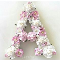 Best Ideas For Cake Flower Decorating Ana Rosa Strawberry Decorations, Flower Decorations, Flower Pattern Drawing, Flower Box Gift, Alphabet Wallpaper, Rose Centerpieces, Flower Letters, Spring Bouquet, Flower Doodles