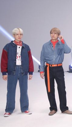 EHAT THE FUXK IS THIS??? LOOK AT THESE FUCKIN FASHION ICO NS, EVERY MODEL IN THE WORLD IS SHAKING IN THEIR SHOES RN AHHHHHHH