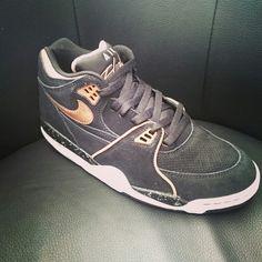 100% authentic 7c05a 835ec Nike Air flight 89 Disponible sur www.sportlandamerican.com Livraison  gratuite  nikeairflight  nikeairflight89  sneakers  sneakerheads   sportlandamerican