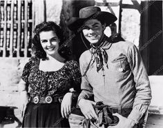 photo candid Jack Beutel Jane Russell on set film The Outlaw 355-26