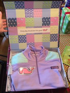 ISO this vineyard vines shep shirt! I am looking for this shep shirt in any color with the polka dot shoulders! I don't have this item im ust looking for it! Preppy Southern, Southern Belle, Simply Southern, Southern Prep, Preppy Outfits, Cute Outfits, Preppy Clothes, Preppy Fashion, Fashion Outfits