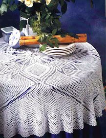 Crochet Books, Crochet Art, Thread Crochet, Filet Crochet, Crochet Tablecloth, Crochet Doilies, Mantel Redondo A Crochet, Crochet Magazine, Bed Spreads