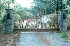 Twisted Grasses Drive Gates with Quail