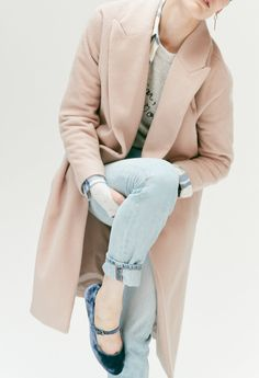 af85ce083b madewell atlas cocoon coat worn with the perfect summer jean