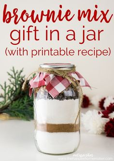 Brownie Mix in a Jar with free printable is a fun, easy DIY gift perfect for the holidays and Christmas gifting.