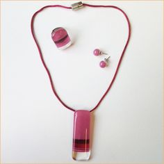 Glass jewelry • 3-piece Vertical pink set