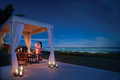 Romantic and intimate dinner at the Four Seasons Palm Beach