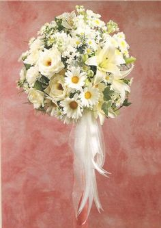 Daisy Wedding Bouquet - NO Lillies! Don't like the flowing ribbon - would probably want it bound by ribbon around stems of flowers. Daisy Bouquet Wedding, Diy Wedding Flowers, Bride Bouquets, Flower Bouquets, Gerbera, Our Wedding, Dream Wedding, Wedding Ideas, Wedding Stuff