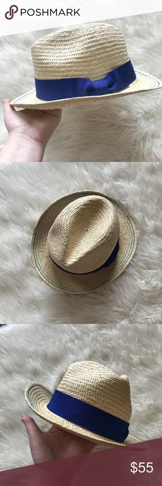 Vineyard Vines blue bow Straw Fedora hat Excellent condition, worn once. ONE SIZE fits most. Vineyard Vines Accessories Hats