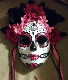 Sugar skull mask Hand Made Day of the Dead/ Mardi Gras Harvest Masks/Centerpiece, Wall Hangings/ Co Sugar Skull Makeup, Sugar Skull Art, Sugar Skulls, Candy Skulls, Mascaras Halloween, Halloween Makeup, Halloween Halloween, Vintage Halloween, Halloween Costumes