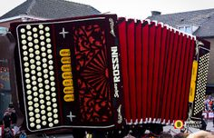 Bloemencorso Zundert 2012 by Omroep Brabant