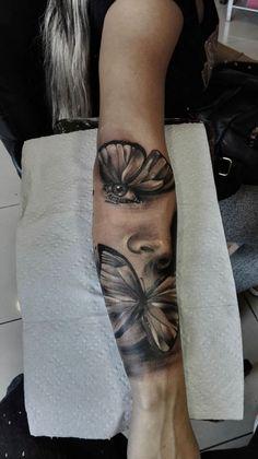 Claudio Valenzuela - Ink on Sky Forarm Tattoos, Dope Tattoos, Badass Tattoos, Leg Tattoos, Body Art Tattoos, Arm Sleeve Tattoos For Women, Forearm Sleeve Tattoos, Portrait Tattoo Sleeve, Butterfly Tattoos For Women