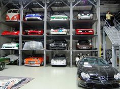 Who else wants a garage like this? Which car would you want to see here if this was your garage? Toy Garage, Garage Loft, Garage Shop, Garage Workshop, Dream Garage, Man Cave Basement, Man Cave Garage, Scotts Valley, Automobile