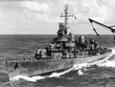 Fletcher Class Destroyer, Us Navy Destroyers, United States Navy, Aircraft Carrier, Model Ships, Battleship, Colorful Pictures, Sailing Ships, Wwii