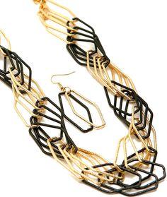 Chunky Link Necklace & Earring Set-Black/Goldtone - Savvyconch