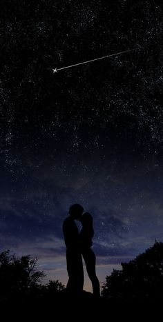 kissing under the stars. wallpaper kiss Under the Stars by chronofreak on DeviantArt Photo Couple, Couple Art, Couple Ideas, Couple Things, Couple Goals, Under The Stars, Dark Souls, Couple Pictures, Night Pictures