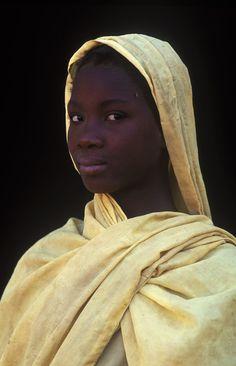 Africa   Moor girl. Adrar, Mauritania   © Patrick de WILDE