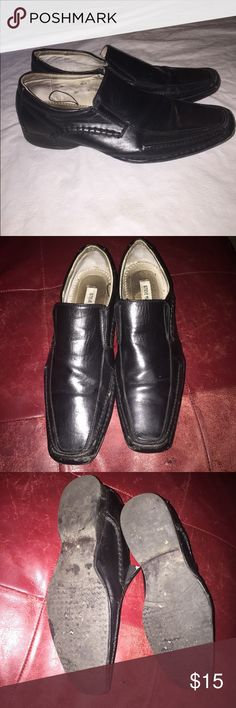 Steve Madden Leather Shoes Black Leather Men's Steve Madden shoes size 10W need to be polished reflected in price, thanks Steve Madden Shoes Loafers & Slip-Ons