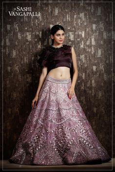 One of the best Indian Bridal Lehenga Collection By Sashi Vangapalli Couture. Indian Bridal Outfits, Indian Bridal Lehenga, Pakistani Bridal Wear, Indian Dresses, Bridal Lehenga Collection, Dress Collection, Simple Lehenga, Lehenga Designs, Indian Attire