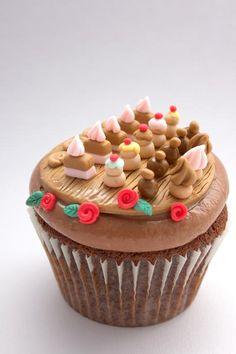 The Extraordinary Art of Cake: Buttercream Bakery Cupcake Catch Up