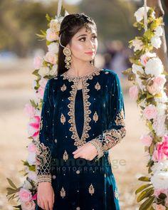 Beautiful Pakistani Dresses, Pakistani Formal Dresses, Pakistani Fashion Party Wear, Indian Bridal Fashion, Pakistani Dress Design, Fancy Dress Design, Stylish Dress Designs, Designs For Dresses, Stylish Dresses For Girls