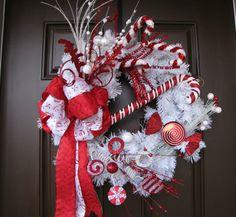 Jolie couronne décorative en rouge et blanc
