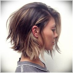 40 Timeless Classic Among Women's Bob hairstyles Short Bob is a classic haircut that every woman should try at least once in a lifetime. The reason - this hairstyle has timeless elegance and w. Womens Bob Hairstyles, Layered Bob Hairstyles, Spring Hairstyles, Classic Hairstyles, Angled Bob Haircuts, Beautiful Hairstyles, Mid Length Haircuts, Thick Bob Haircut, Bob Hairstyles 2018