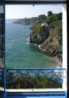 La chambre bleue, vue sur mer