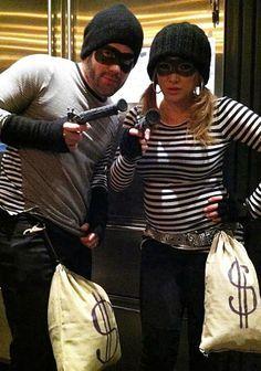 robbers #DIY #robbers #group #couples #criminal #Halloween #HalloweenCostumes #Costumes #funny