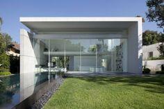 Maison contemporaine - House 13 par Pitsou Kedem Architects - Ramat Hasharon - Israël
