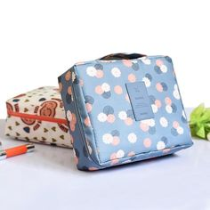 69ab7f8a8 TRAVELER'S TOILETRY BAG - Your friend to fit and organize all your beauty  accessories Makeup Bag